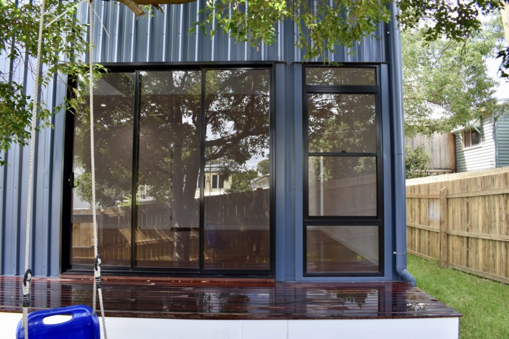 amazing builds granny flat deck windows